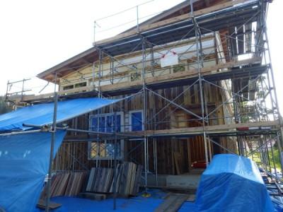 移住希望者のために建設中の住居