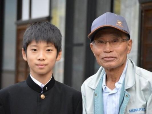クラウドファンディングに挑戦している鈴木くん(写真左)