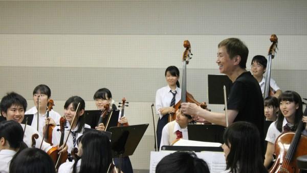 生徒たちには、「音楽を楽しむこと」の大切さを伝えた高原さん