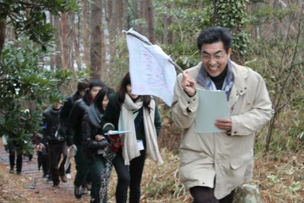 佐々木さんは、チェンジメーカープログラムにも率先して協力。都内から来た大学生のガイド役を務める