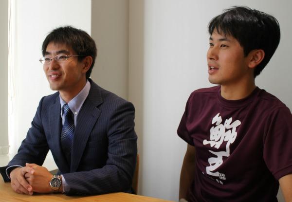 全国最年少副町長の井上さん(左)と2015年に地域おこし協力隊として長島町に来た、土井さん