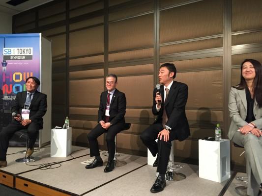 B2B企業のCSRブランディングについて話した。右から、UBS証券の堀氏、中越パルプ工業の西村氏、日立製作所の増田氏、オルタナ編集長の森氏