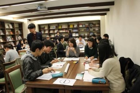 パネルディスカッション後には、広島県の「東城まちなみ春まつり」の県外参加者を増やす施策について考えるワークショップを行った
