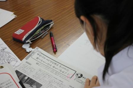 生徒たちは歌の意味を調べて自由に情景を描く