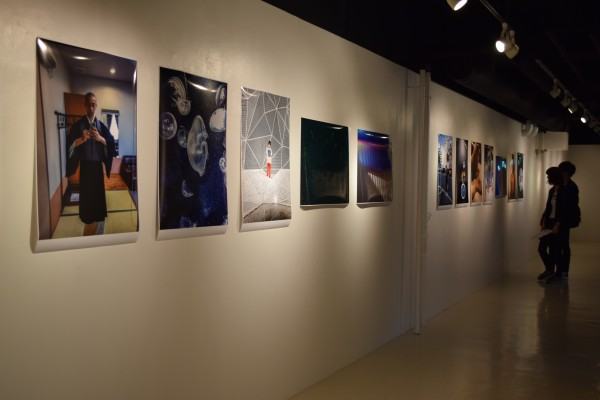 アイフォンで撮られた写真から現代アートを感じる=伊藤忠青山アートスクエア(東京・港)で
