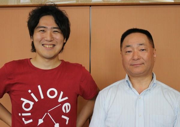 2人の対談は、予定時間を超えるほど白熱した。木田・コープこうべ専務理事(右)と安部・リディラバ代表=コープこうべ住吉事務所で